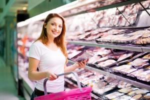 """Rząd przyjął projekt dotyczący znakowania żywności informacją """"produkt polski"""""""