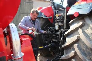 Zaczepianie narzędzi na TUZ – komfortowo i bezpiecznie