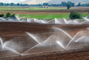 Nowe prawo wodne uderzy m.in. w rolników