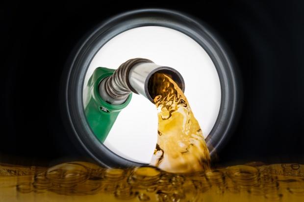 Wywiad skarbowy wykrył nielegalną sprzedaż paliwa