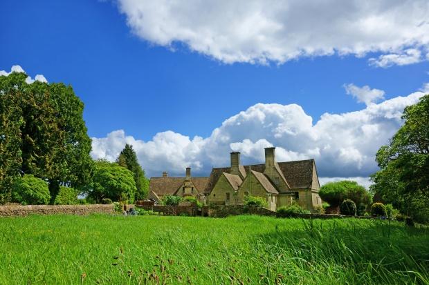 Luksusowe mieszkania czekają na polskich rolników w... Anglii