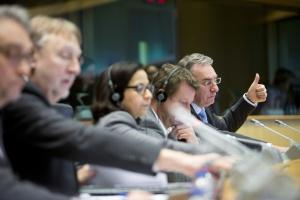 PE ratyfikował umowę o wolnym handlu UE-Kanada