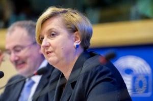 Fotyga: CETA nie jest umową idealną, ale daje określone szanse