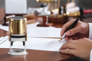 Życie pisze najlepsze historie. Opowieści notariuszy