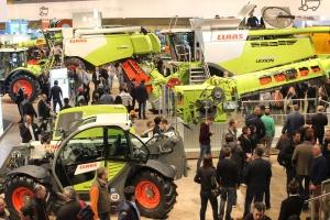 Maszyny duże i małe na targach SIMA 2017 - wideo