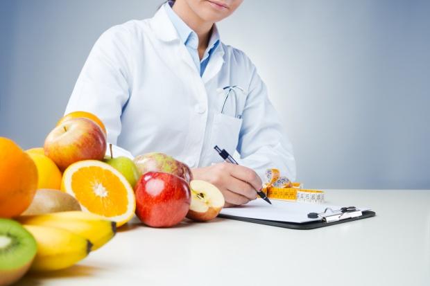 Sprawa podwójnych standardów w produkcji żywności trafi do Rady UE