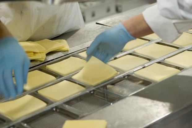 Wyraźne przeceny przetworów mlecznych na GDT