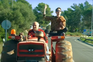 Włochy: Popularny raper patronem projektu ustawy o ruchu traktorów