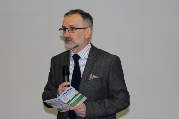 Prof. Kowalski: rzepak może zastąpić soję w żywieniu krów mlecznych
