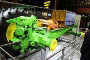 John Deere SEZAM - koncept ciągnika zasilanego w pełni elektrycznie