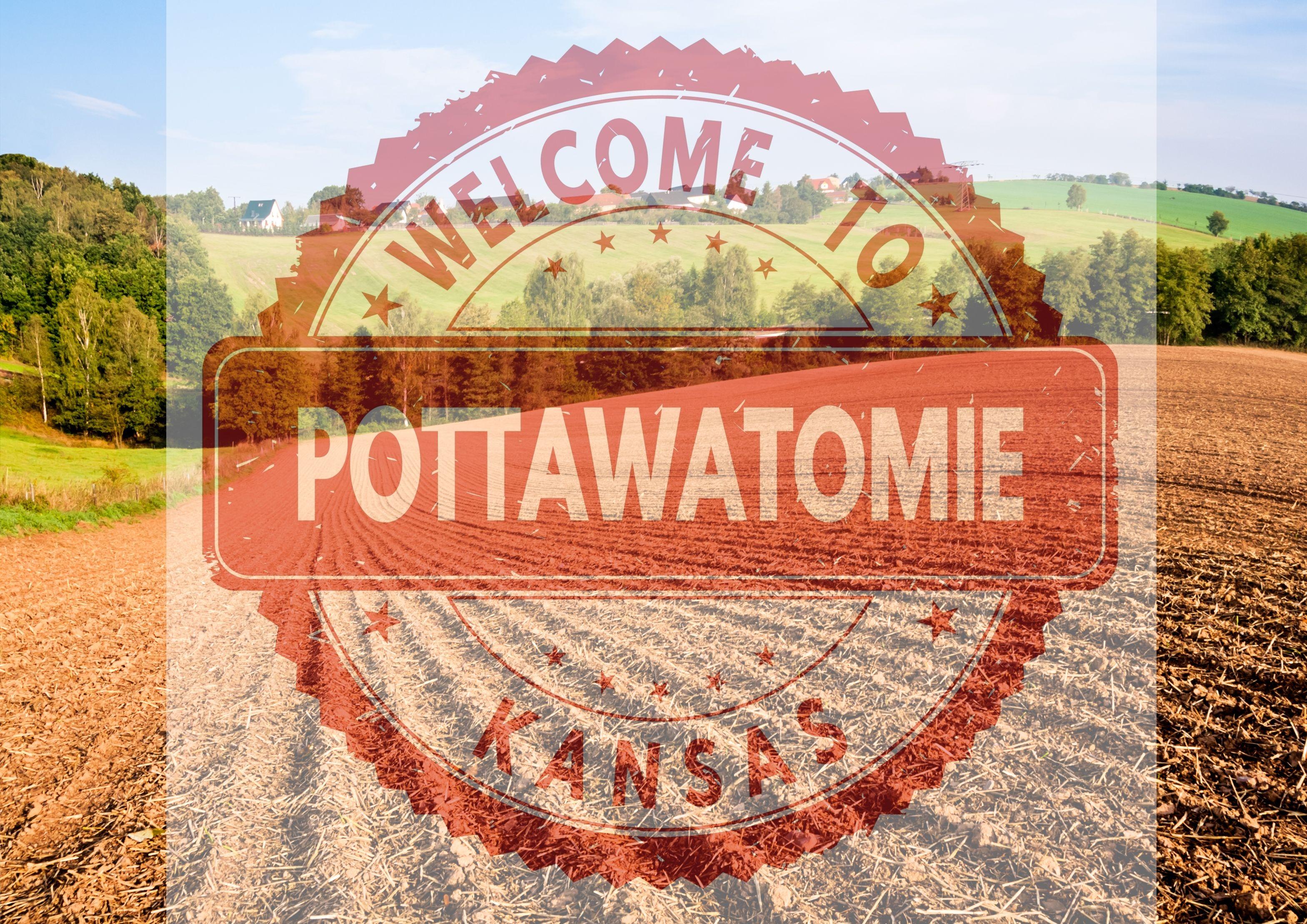 Widok na pole uprawne w stanie Kansas