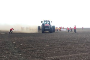 Case IH i Väderstad biją rekord siewu kukurydzy