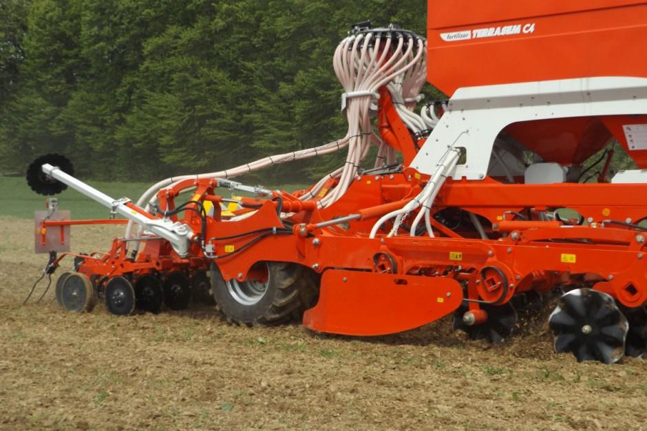 Talerze nacinają glebę bez jej przesuwania