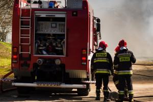 Świętokrzyskie: 1,2 mln zł strat po pożarze chlewni; spłonęło ponad tysiąc świń