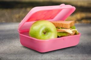 Rząd zaakceptował nowe zasady dostarczania owoców, warzyw i mleka do szkół