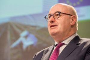 Komisarz Hogan o sytuacji na rynkach rolnych w UE