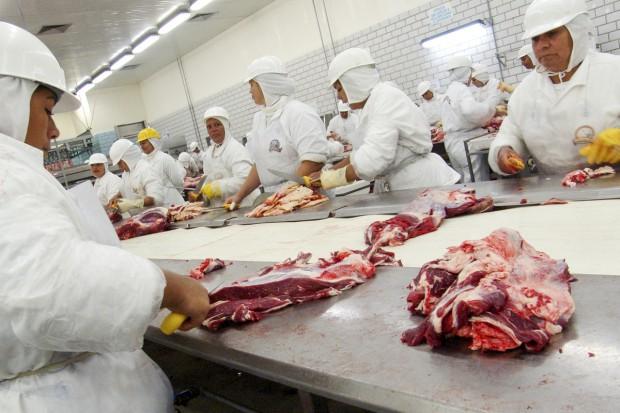 Branża mięsna apeluje o zawieszenie importu z Brazylii