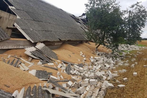MRiRW: Ponad 6,5 tys. gospodarstw rolnych zniszczonych podczas nawałnic (zdjęcia)