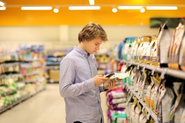KE zauważa podwójną jakość żywności i grozi korporacjom