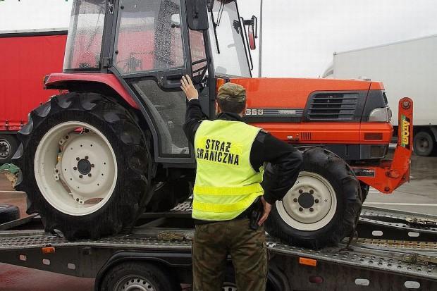 Pogranicznicy odzyskali traktor skradziony w… Japonii