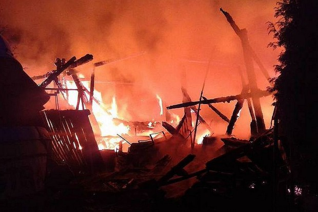 Spłonęła stodoła. W pogorzelisku znaleziono zwłoki