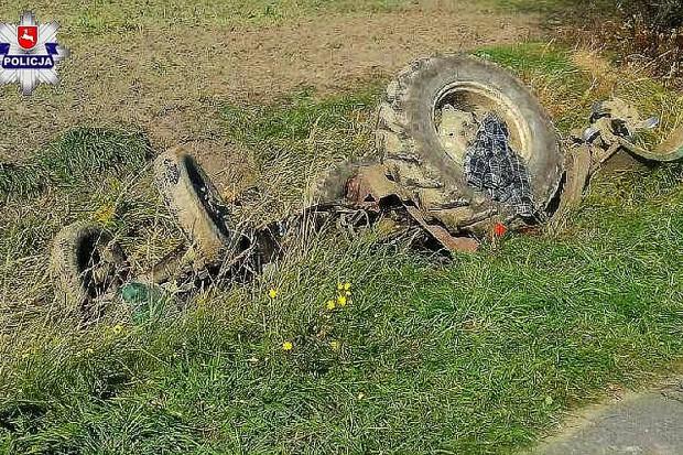 Wypadek przy pracach polowych. Traktor przygniótł rolnika
