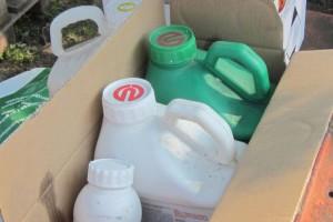 Opakowań po zużytych pestycydach nie pal, oddaj do sklepu