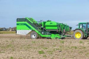 AVR poszerza ofertę kombajnów ziemniaczanych