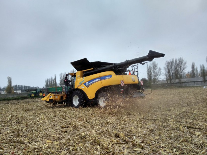 New Holland CR 9.90 Revelation