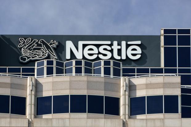 Nestlé wycofuje jaja z chowu klatkowego