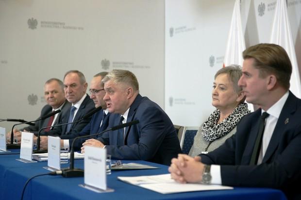 """Minister Jurgiel zadowolony z """"dobrych 2 lat"""""""