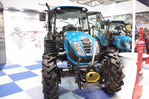 Nowy, 100-konny ciągnik ze stajni LS Tractor