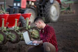 Rząd przyjął przepisy w sprawie e-wniosków
