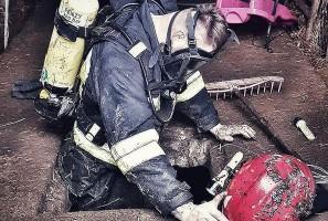 Na ratunek świni, która wpadła do szamba