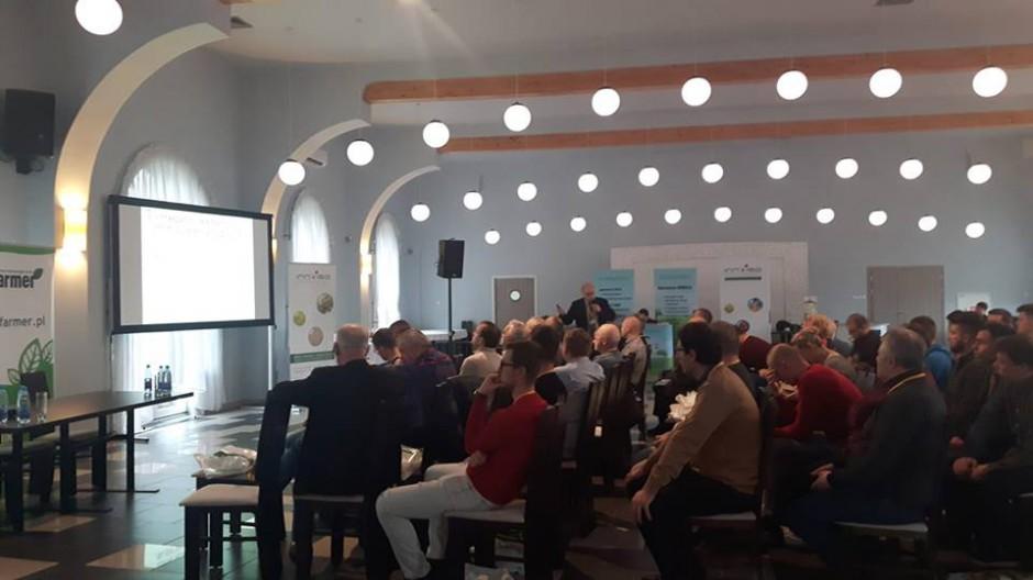 W Pyrzycach: trwa wykład inż. Paradowskiego na temat regulacji pokroju zbóż i rzepaku
