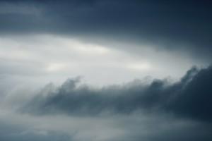 IMGW ostrzega przed silnym wiatrem