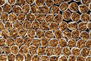 Tytoniowa kontrabanda zamiast transportu żywicy syntetycznej w puszkach