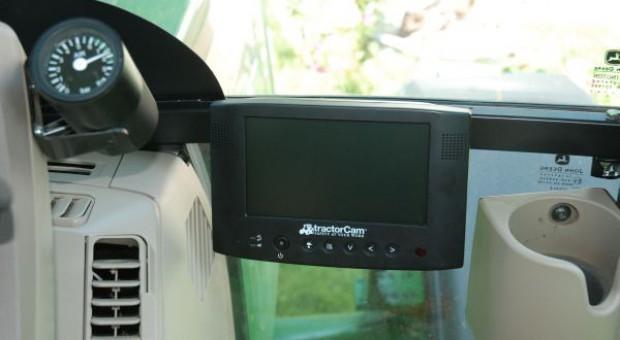 Zestaw monitorujący Tractor Cam - Z kamerą wśród... maszyn