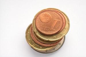 Rząd celowo zaniża kurs euro, żeby zmniejszyć dopłaty