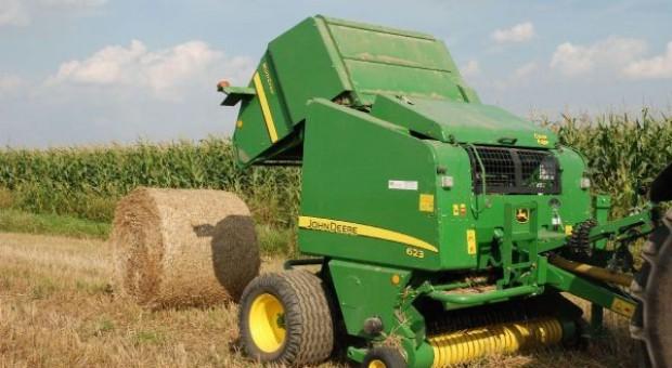 Prasa John Deere 623 MultiCrop - nie tylko do zielonki