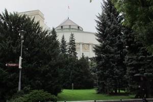 """Rząd: Polska bez GMO, dopłaty bezpośrednie """"bardziej równe"""""""