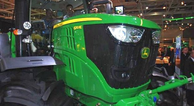 Traktor z generatorem