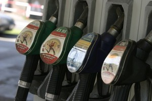 Dlaczego rolnik płaci opłatę drogową w cenie oleju napędowego?