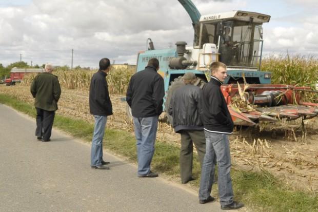 Młody rolnik prowadzi gospodarstwo, a nie tylko posiada ziemię