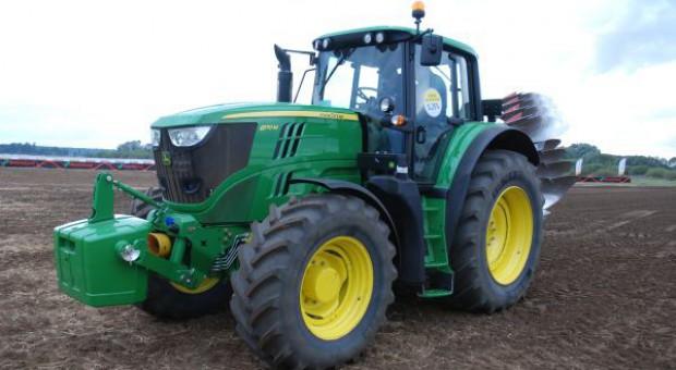 John Deere 6M zastąpi serię 6030