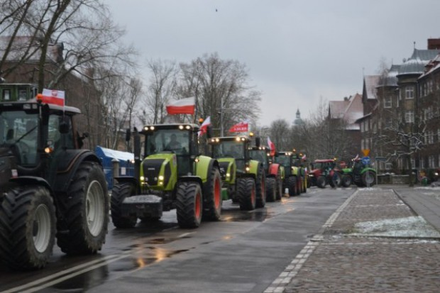 Rolnicy przejechali ciągnikami przez Szczecin