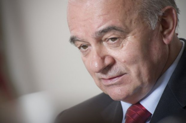 """Minister: Samorząd wie o """"słupach"""", przetargu nie będzie"""