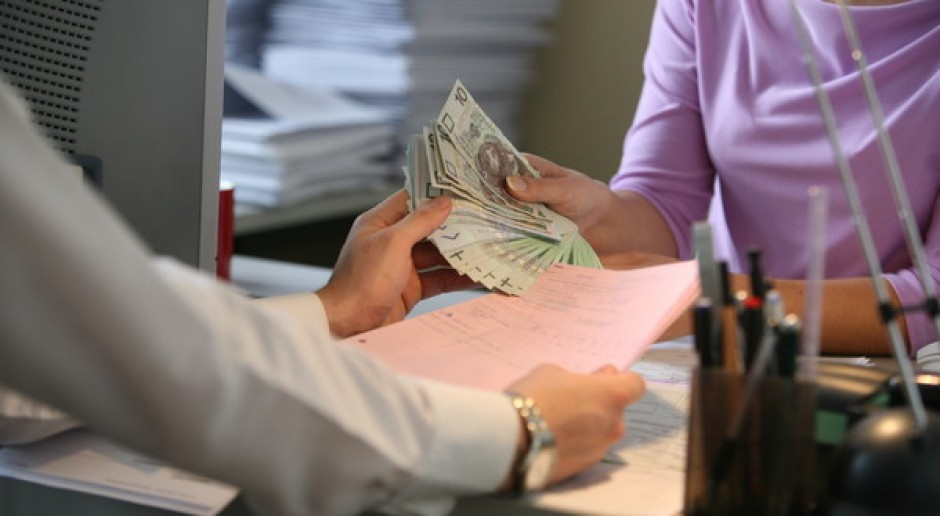 Oszuści wyłudzają pieniądze na wnioski o dopłaty