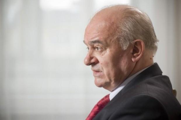 Minister broni służb weterynaryjnych mimo afery tzw. antybiotykowej