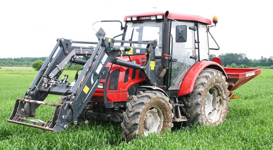 Nie do wszystkiego i nie dla każdego - wady i zalety ciągnika Farmer F4